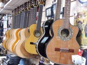 Tienda de Instrumentos Musicales y Escuela de Música. Se vende en Miami. photo
