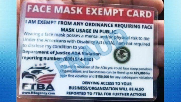 Alertan a restaurantes en Florida sobre falso carnet que exceptúa uso de mascarilla